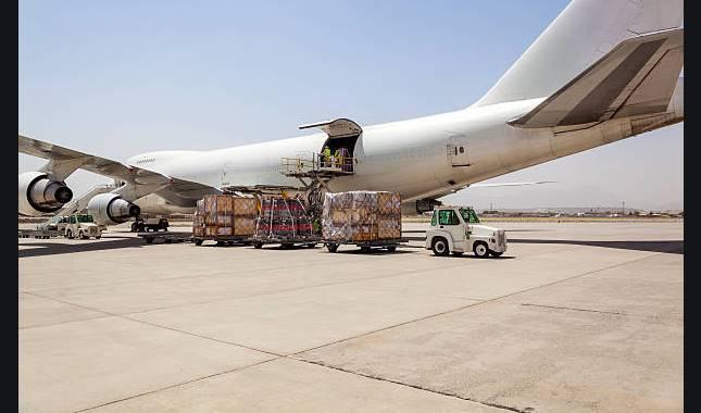 plane cargo2